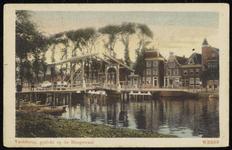 NL-HlmNHA_162_2629_0576 De Vechtbrug en gezicht op de Hoofdstraat met bomen., 1910-1920