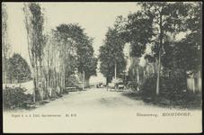 NL-HlmNHA_Hmr_0713 Doorkijk in de Stationsweg in noordelijke richting te Hoofddorp, 1900-1925
