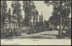 NL-HlmNHA_Hmr_0716 De Stationsweg gezien vanaf de Kruisweg te Hoofddorp, 1900-1925