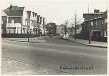 NL-HlmNHA_00513 Kleverparkstraat in Haarlem met op de voorgrond een stukje van de Verspronckweg.,, 1963-10-31